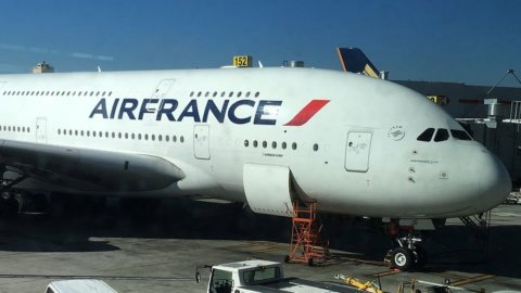 Air France, via a aumento da 1 miliardo: salgono i cinesi