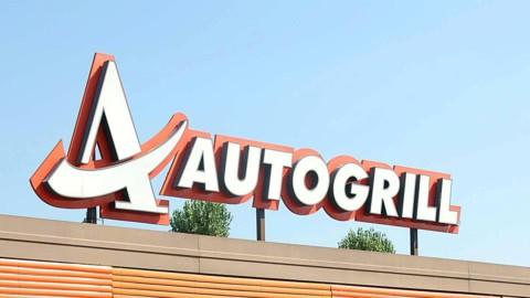 Autogrill chiede 600 milioni ai soci e sprofonda in Borsa