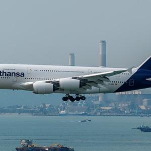 Lufthansa nel baratro, licenziamenti inevitabili