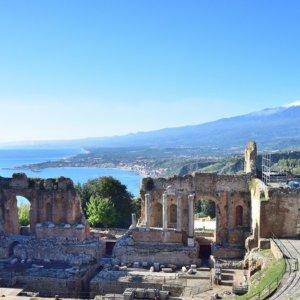 Taormina, la perla della Sicilia si prepara a un'estate diversa: ecco come