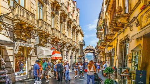 La Sicilia torna in zona gialla: ecco le regole