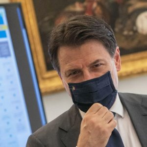 Covid, dalle mascherine alla Cig: ecco le 8 novità del Governo