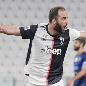 Juve fa poker e allunga, la Lazio cerca il riscatto con la Fiorentina