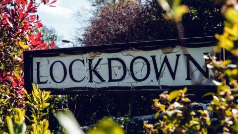 Il lockdown frena le Borse ma il Nasdaq corre e la Fed gela il Bitcoin