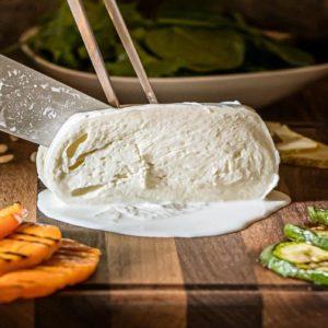 Mozzarella di bufala, occorre ricredersi su grassi e colesterolo