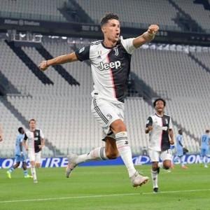 Juve-Napoli 3 a 0 e un punto di penalizzazione ai partenopei