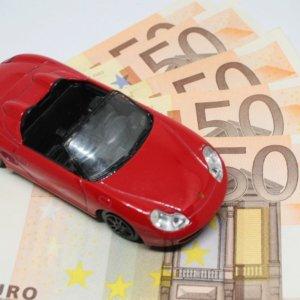 Assicurazioni, effetto Covid: prezzi Rc auto -5% in 8 mesi