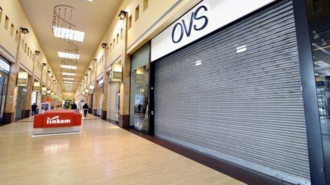 Chiusura negozi domenica: in Trentino è legge, insorge la Gdo