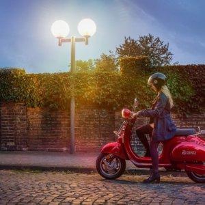 Ecobonus su scooter elettrici e ibridi: sconti al via, la guida