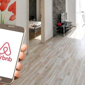 Airbnb, Ipo da record: vale già 100 miliardi