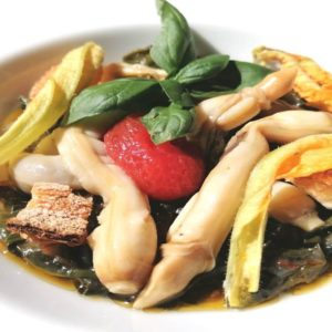 La ricetta di Roberto Serra: Cannolicchi alla vernaccia con zuppetta di bietole e fiori di zucca