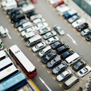 Auto, meno concessionari: nel 2035 il 40% si venderà online