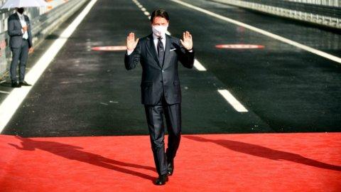 Genova: il ponte c'è, l'accordo su Atlantia no