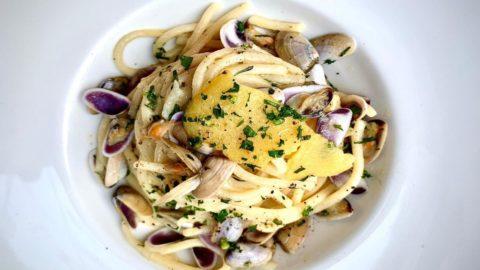 La ricetta estiva: spaghetti con telline, vince la semplicità