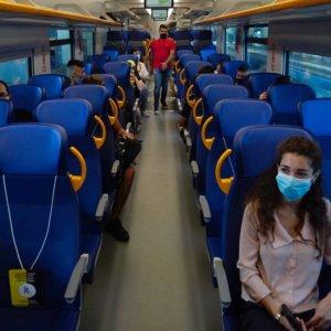 Treni e Covid: distanziamento anche su regionali e intercity