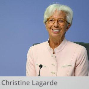 """Lagarde: """"Bce pronta a nuovi stimoli"""". Le Borse reagiscono"""