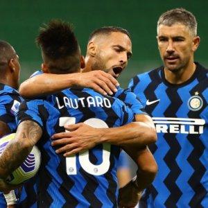 Inter e Atalanta volano, Lazio ko