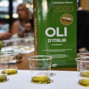 Oli d'Italia 2020: i migliori extravergine italiani, Puglia e Calabria sul podio