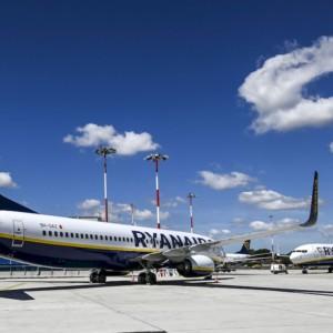 Covid-19, Ryanair riduce i voli invernali al 40%