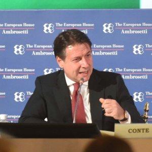 """Covid, Conte replica alle imprese: """"Misure giuste ma riformeremo la Cig"""""""