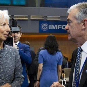 Tassi BTp in discesa, euro stabile e yuan forte. Le Borse correggono la correzione