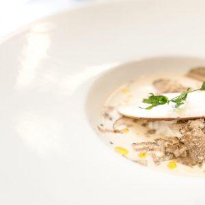 La ricetta di Marc Lanteri: Spuma di funghi porcini, uovo poché e tartufo bianco d'Alba
