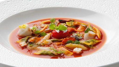 La ricetta di Emanuele Petrosino: Raviolini del plin, brodetto e zuppetta di cannolicchi