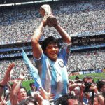 Maradona è morto: calcio in lutto