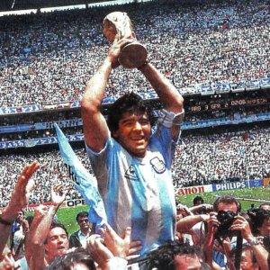 """Maradona arriva a tavola: ecco la """"pasta di Diego"""""""