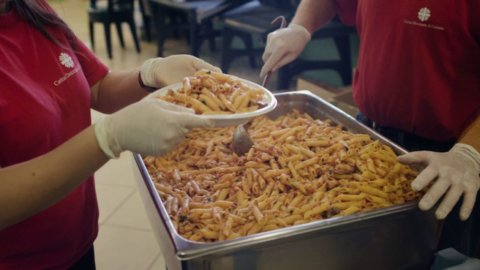 Colletta alimentare, Intesa Sanpaolo conferma sostegno