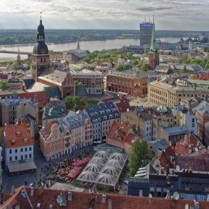 Lettonia: l'emigrazione dei giovani frena la crescita