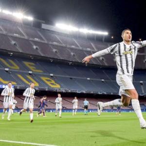 La Juve e CR7 surclassano il Barca di Messi, Lazio ok