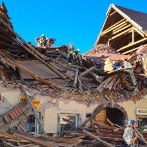 Terremoto di magnitudo 6.4 in Croazia: gravi danni e vittime