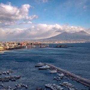 Virus e vaccini: quando Napoli dava il buon esempio