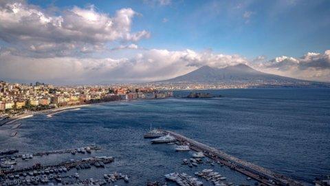Regioni, la Campania torna arancione