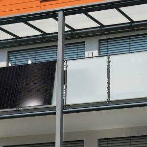 Fotovoltaico sul balcone di casa? 90 euro in meno in bolletta