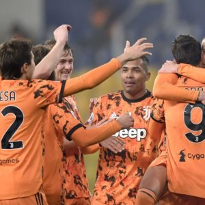 Juve, poker di gol con CR7 super. A Milan e Inter la risposta
