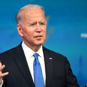 Effetto Biden: Pil Usa meglio della Cina e Wall Street al record