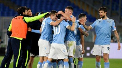 La Lazio umilia la Roma nel derby della Capitale: 3-0