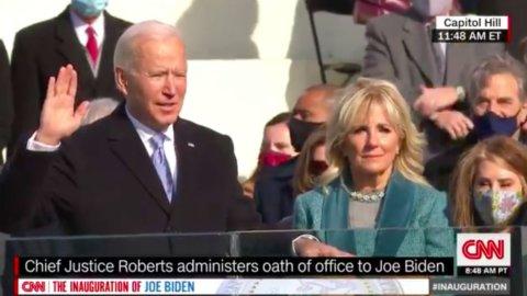 """Biden e Harris hanno giurato: """"Riuniremo l'America"""""""