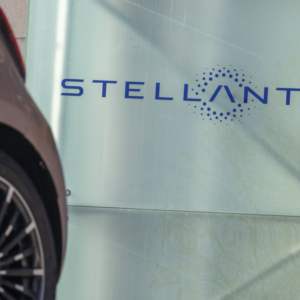 Stellantis, Melfi chiude fino al 10 maggio: mancano i chip
