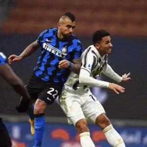 L'Inter trionfa, la Juve sprofonda: ora tocca al Milan