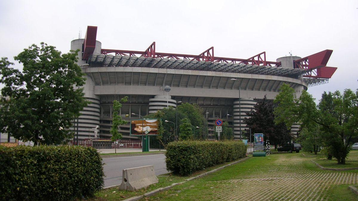 Stadio Meazza esterno