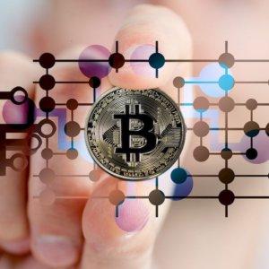 Bitcoin alle stelle, Borse in altalena, Btp sotto 0,50%