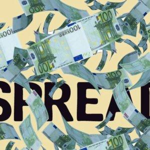 Effetto Draghi sullo spread, Bezos cede la guida di Amazon