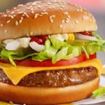 Rivoluzione Mc Donald's: arriva l'hamburger veg di Beyond Meat