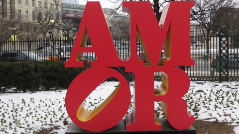 "Washington, lo Sculpute Garden riapre per San Valentino con ""AMOR"" di Robert Indiana"