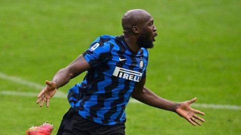 Derby, l'Inter stende il Milan (3-0) e ipoteca lo scudetto