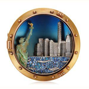 Preziosi e stravaganti gioielli creati da Michele della Valle in asta da Christie's