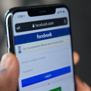 Facebook blocca notizie in Australia: cosa sta succedendo?